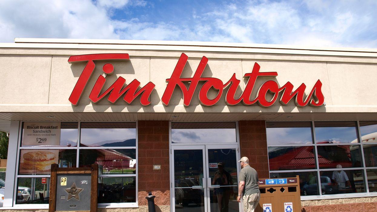 Tim Hortons sort un nouveau beigne d'Halloween et les gens ne veulent pas le manger car il est trop cute
