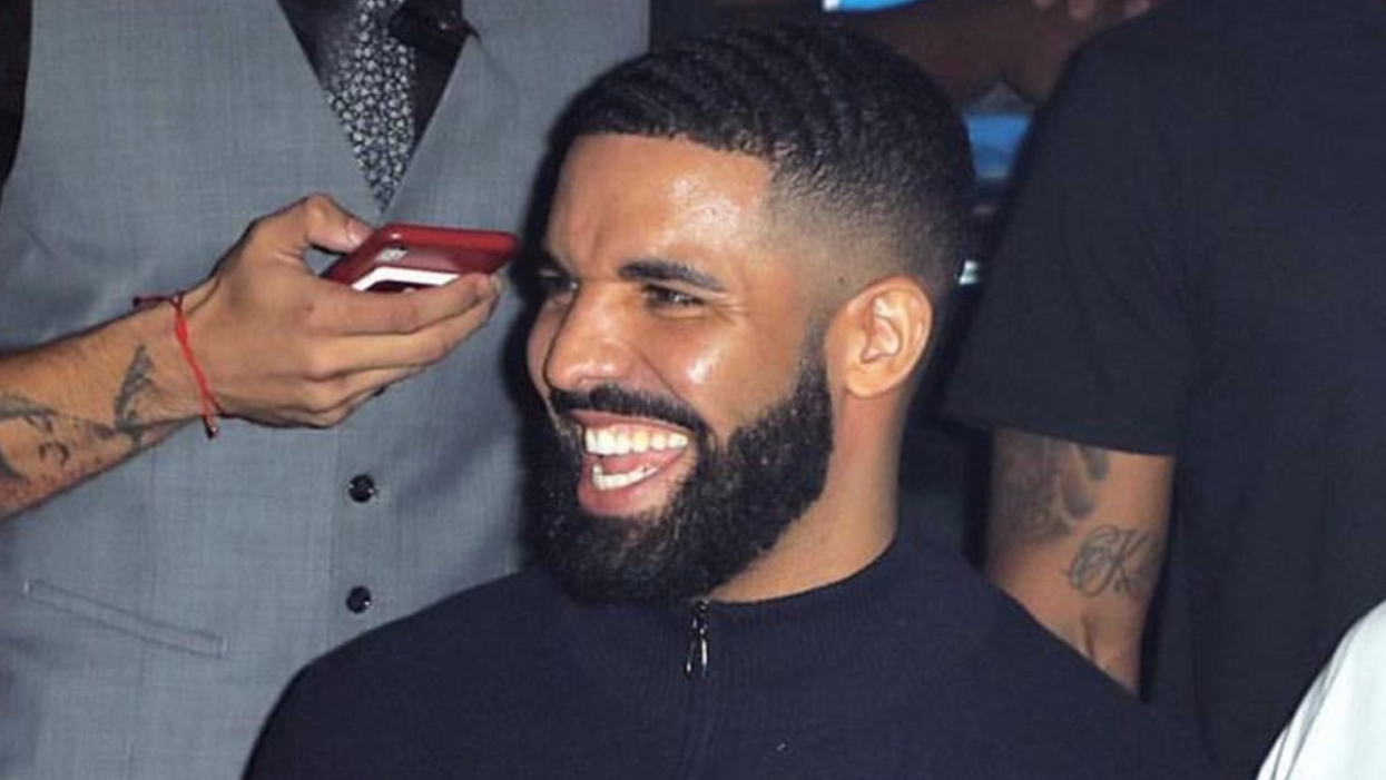 Fans Can't Stop Throwing Their Bras At Drake During His Concerts (PHOTO)