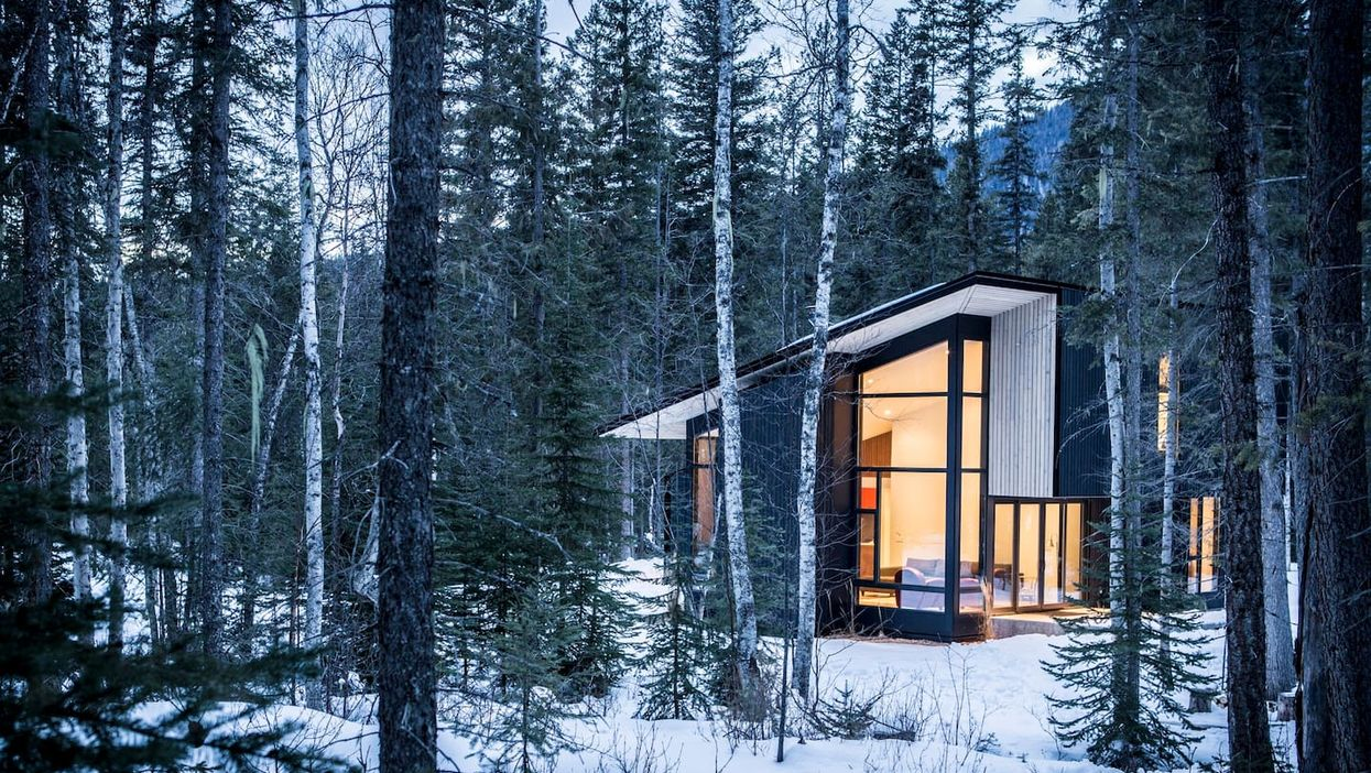 You Can Rent This Glass Cottage In Canada For A Magical Winter Night In The Forest