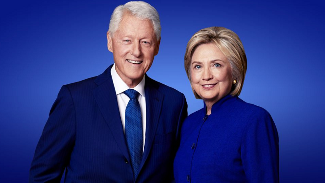 Bill And Hillary Clinton Are Giving A Talk In Toronto Today To A Surprising Amount Of Empty Seats