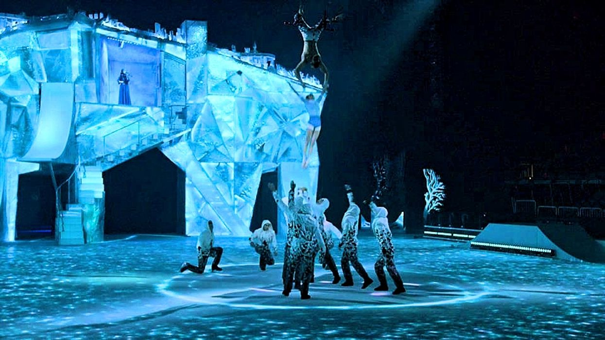 A Magical Cirque Du Soleil-Inspired Winter Wonderland Show is Coming To These Canadian Cities