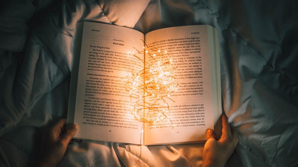 6 livres à lire pendant le temps des Fêtes qui vont vraiment te faire décrocher