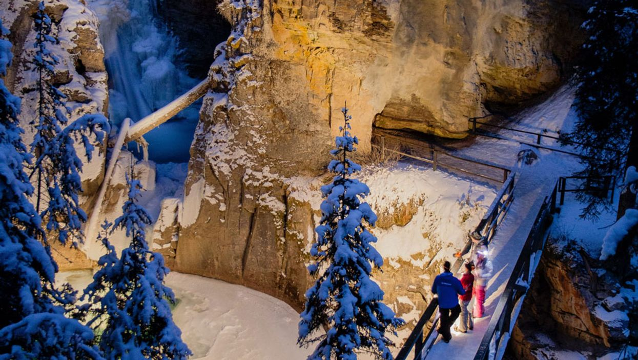 You Can Explore This 2.2 Km Frozen Waterfall Trail After Dark In Alberta