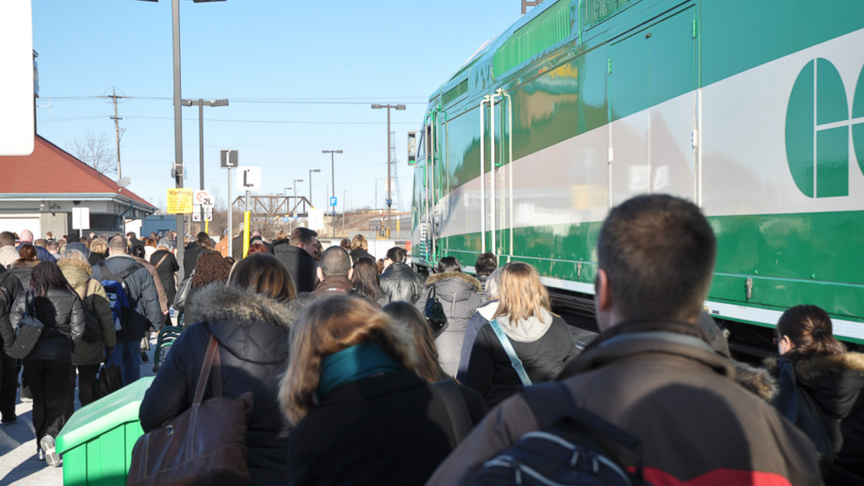 GO Transit Passengers Are Actually Fainting From Dangerous Overcrowding On The Trains This Week