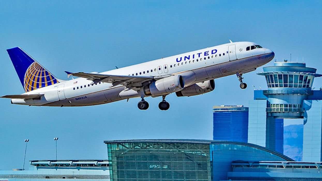250 United Airlines Passengers Stranded On Plane For 16 Hours In Newfoundland