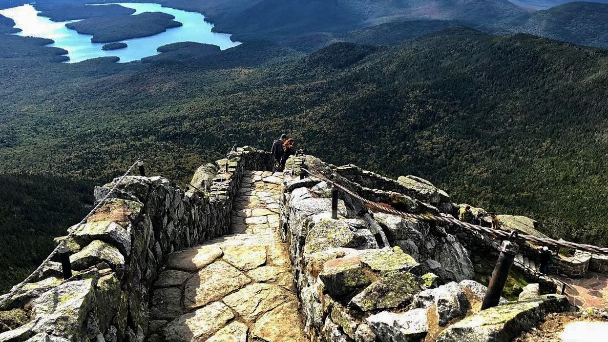 You Can Climb This 1-km Mountain Staircase Trail Near Ontario This Spring