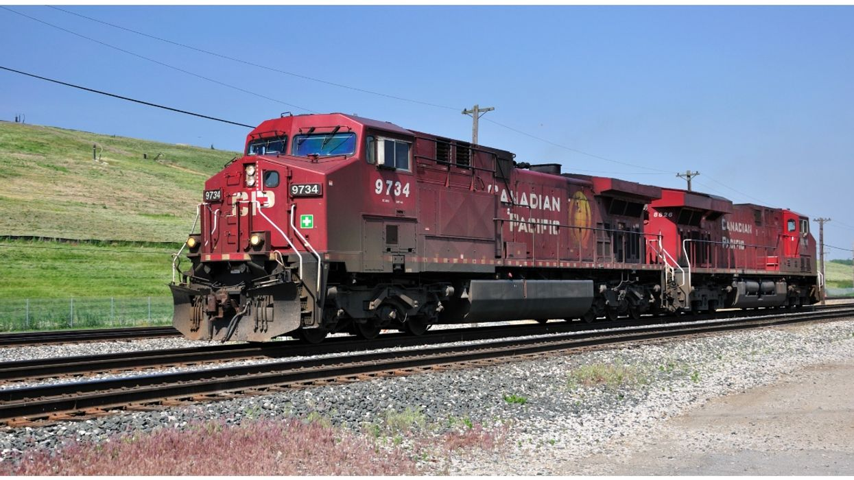 CP Rail Train Derails Up To 60 Cars And 3 Die In Fatal Incident Near Field BC