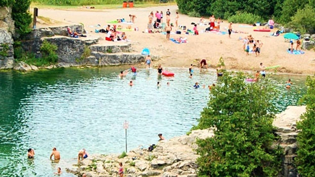 This Turquoise Swimming Hole Near Toronto Is The Perfect Summer Hideout