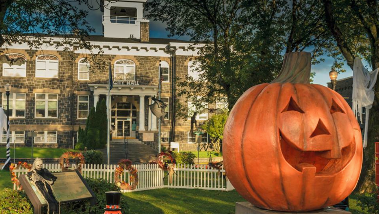 Disney's Halloweentown Actually Exists In Real Life And It's Close To Vancouver