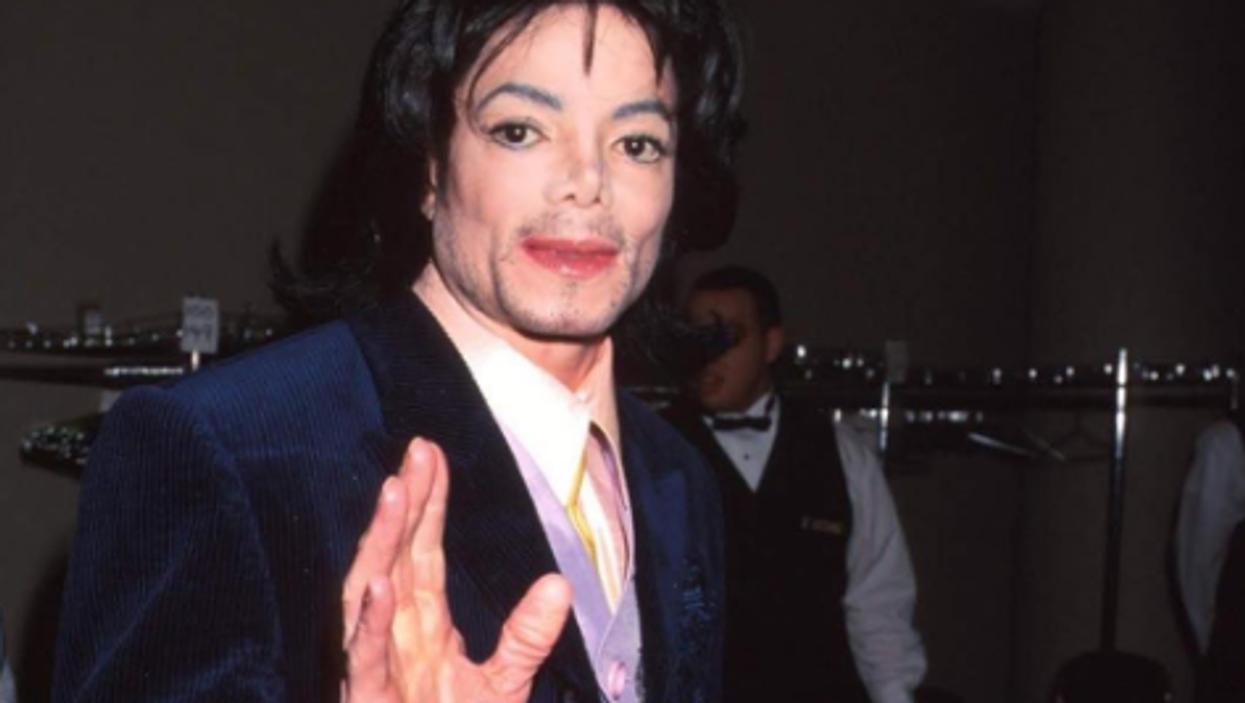 Trois stations de radio québécoises bannissent toutes les chansons de Michael Jackson