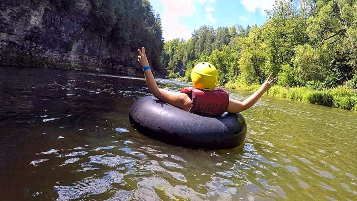 You Can Float Down This 2 Km Lazy River Through An Ancient Gorge In Ontario This Summer