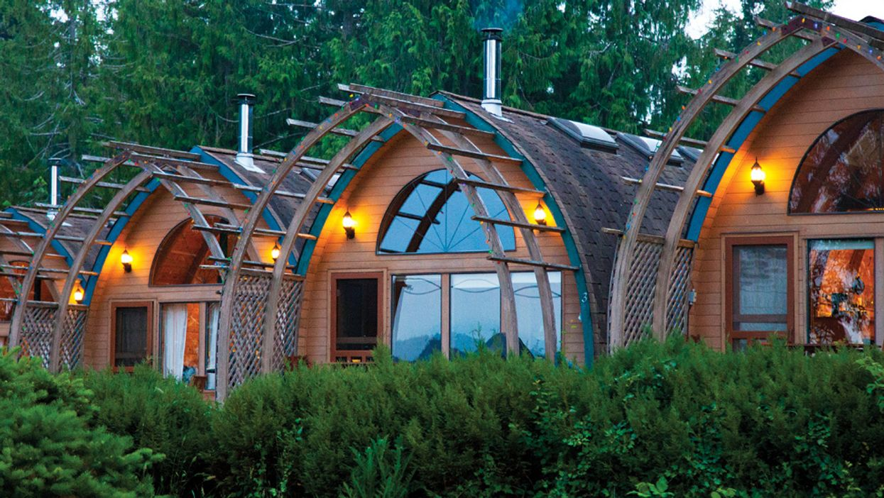 You Can Rent These Adorable Oceanfront Pod Cabins Right Next To Mineral Springs In BC