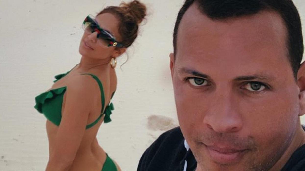 Jennifer Lopez est fiancée à Alex Rodriguez et il est déjà accusé de l'avoir trompé