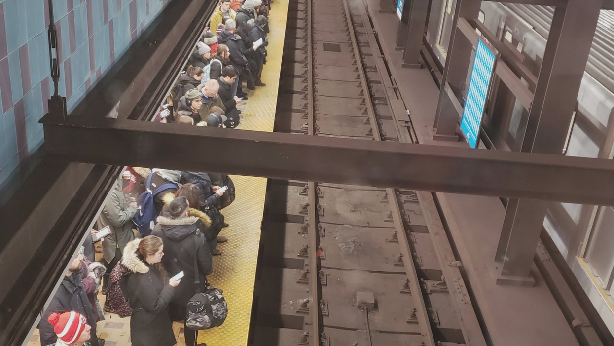 Third Day Of Chaos On The TTC Has Toronto Commuters Feeling Defeated (PHOTOS)