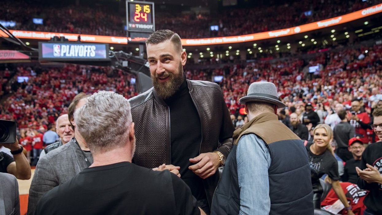 Toronto Raptors Fans Still Obsessed With Jonas Valanciunas After His Surprise Appearance At Last Night's Game
