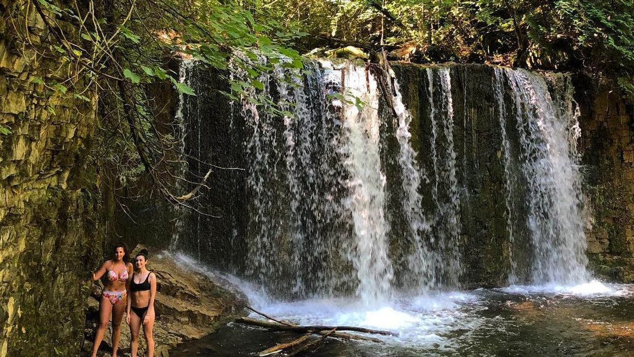 This 1.4 KM Trail Will Lead You To A Hidden Waterfall Swimming Hole In Ontario