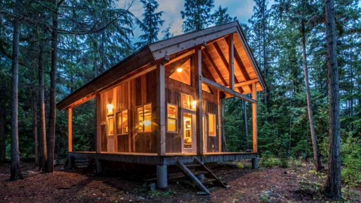 12 Cheap Cottages To Rent With Your BFFs In BC This Summer