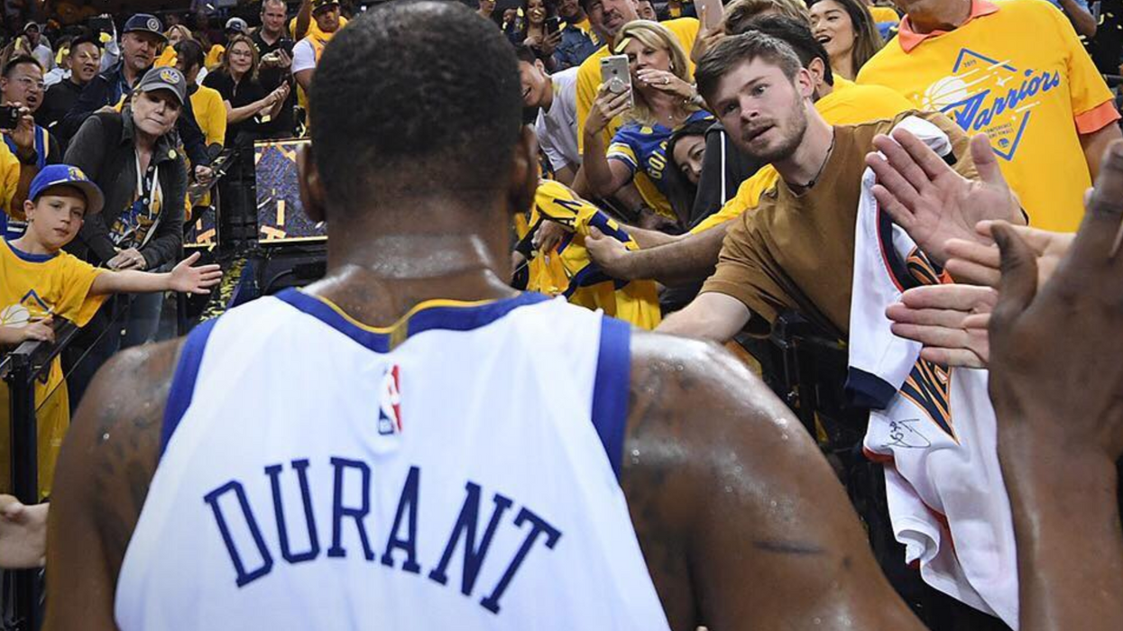 Raptors Fans Send Apology Flowers & Letters To The Warriors For Cheering About Durant's Injury (PHOTOS)