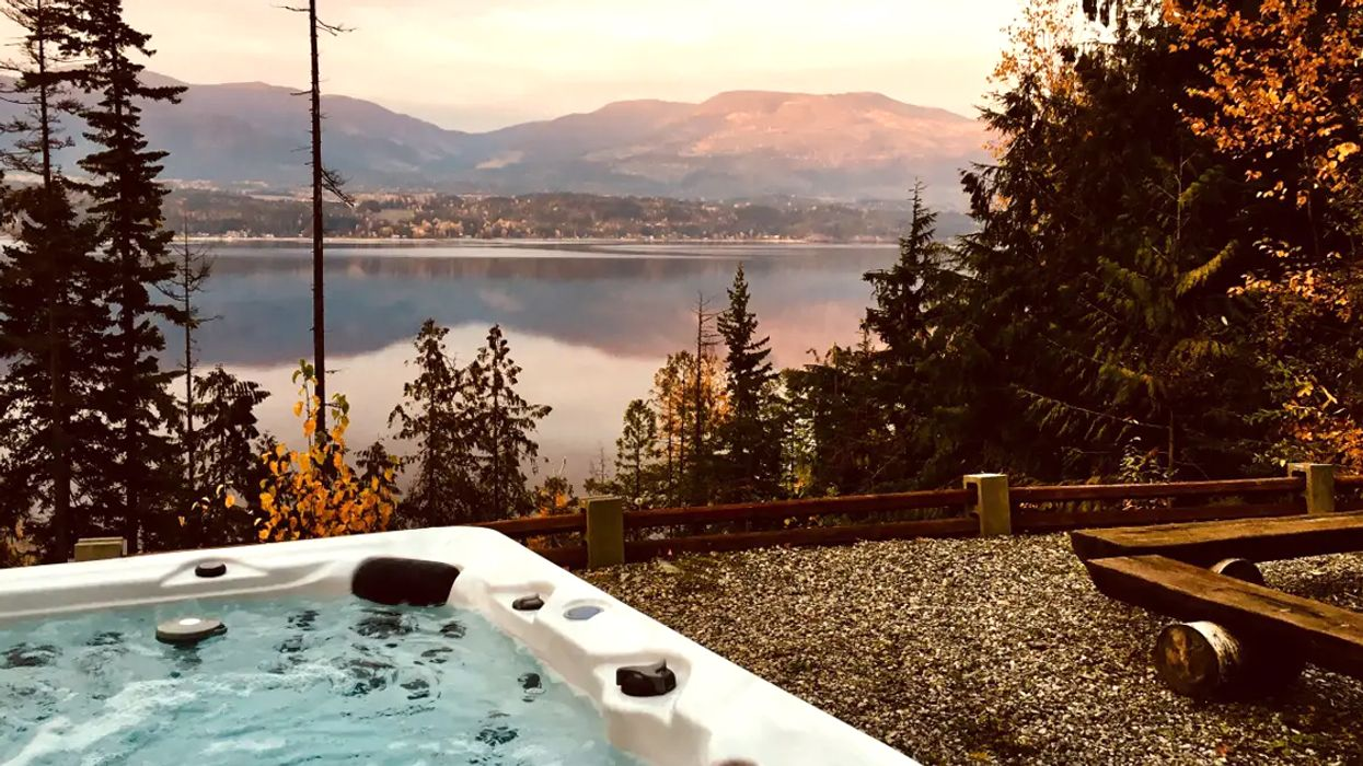 You Can Stay In A Magnificent Waterfront Cabin With A Private Hot Tub In British Columbia This Summer