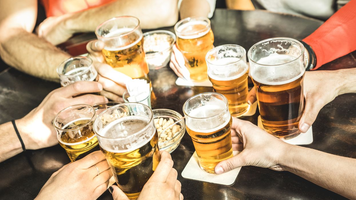 Tu peux boire de la bière à 35 sous dans un bar de Québec aujourd'hui seulement