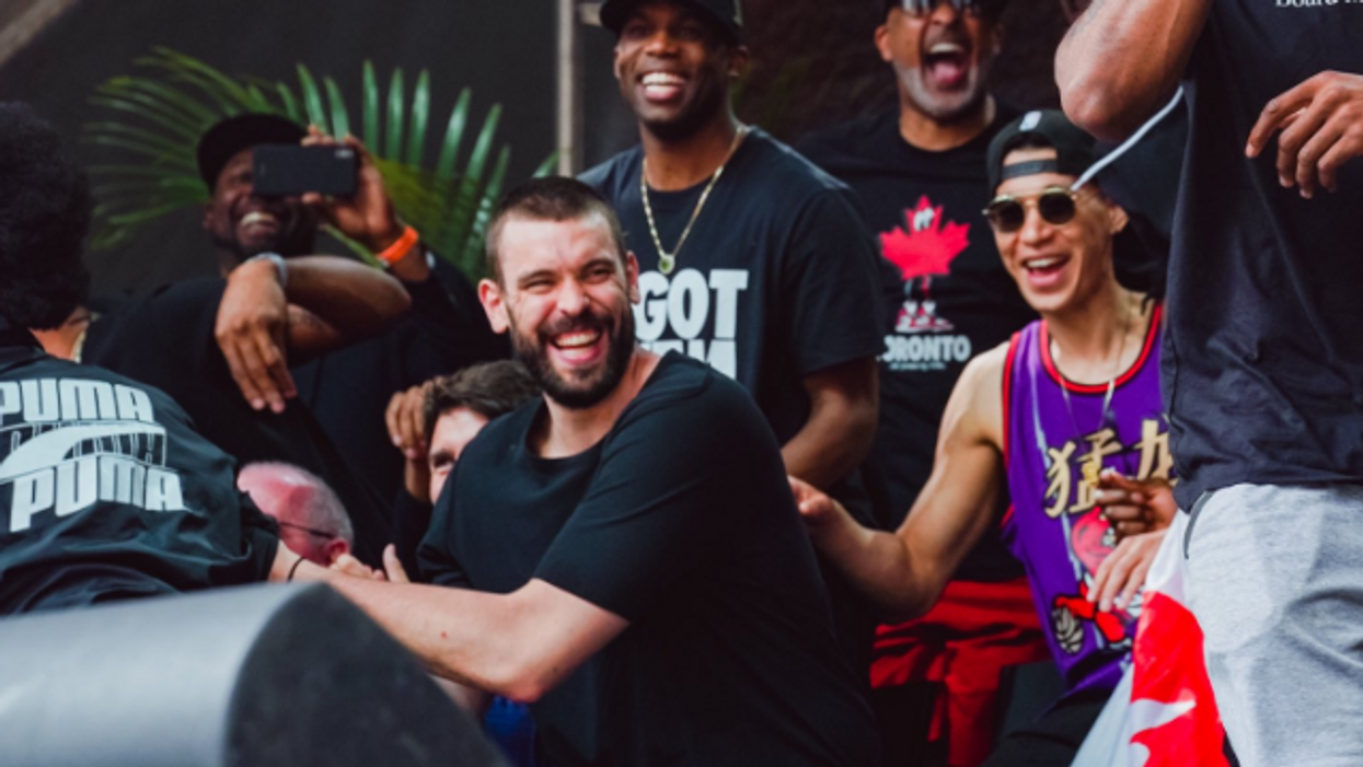 """Raptors Fans Are Making Hilarious Tributes To Marc Gasol After He Felt """"Like A Rockstar"""" At The Parade (PHOTOS)"""