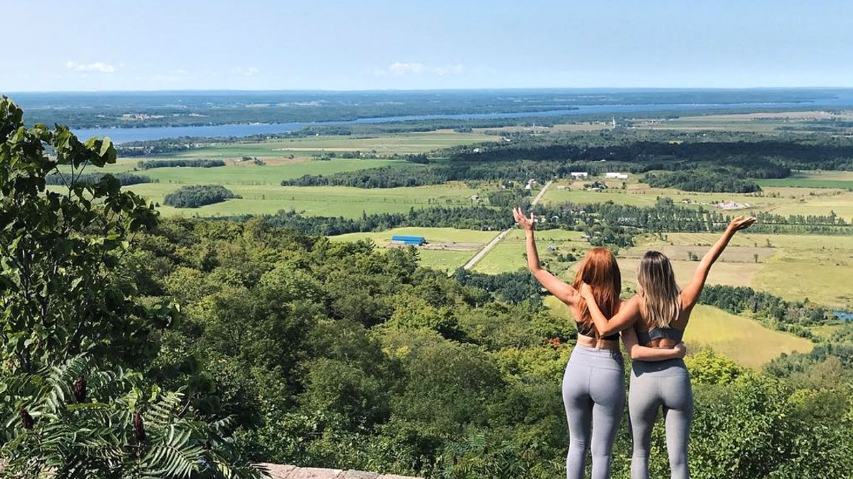 This Scenic Drive Near Ottawa Will Take You To A Stunning Lookout Point