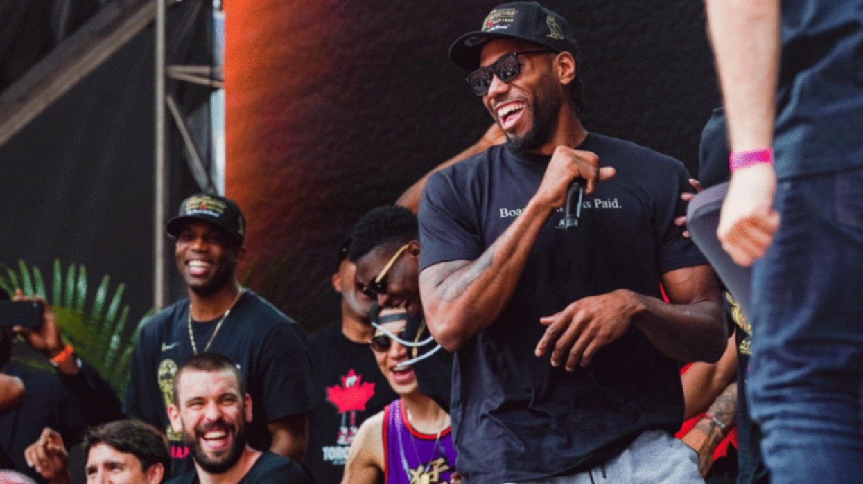 """REPORT: The Clippers Are """"Poised"""" To Steal Kawhi Leonard From The Raptors (VIDEO)"""