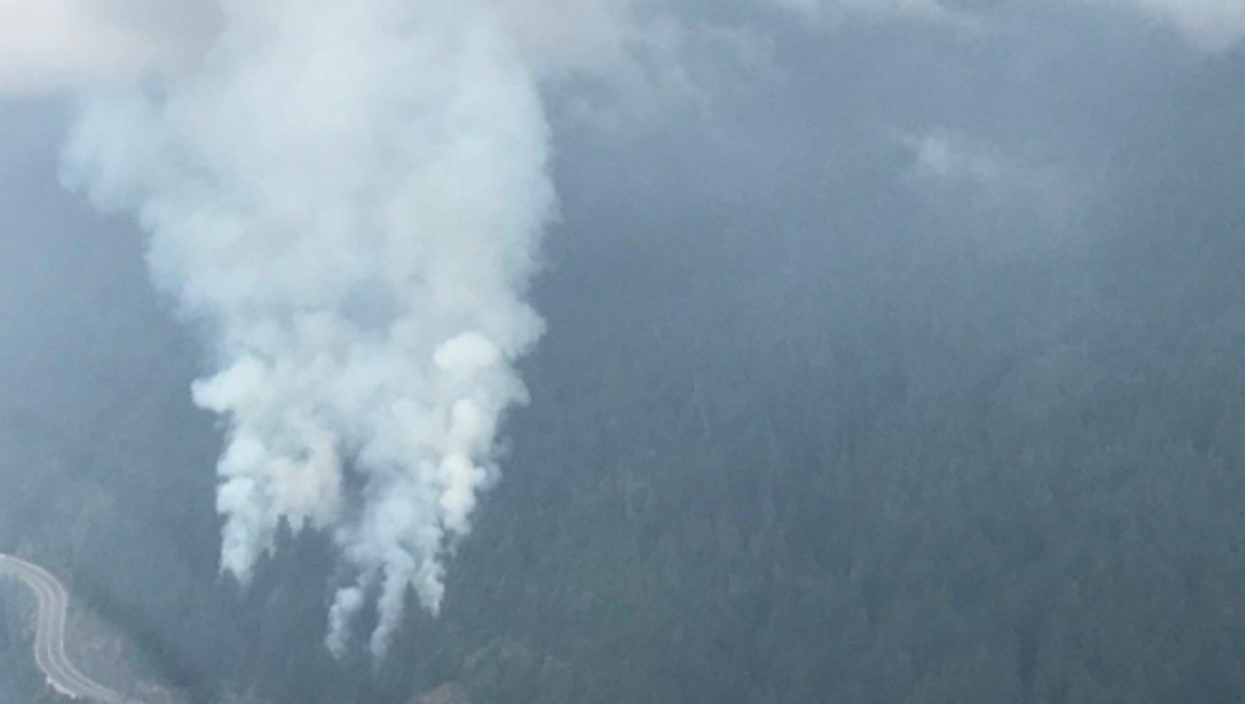 A Wildfire Is Currently Burning Along Vancouver's Sea To Sky Highway (PHOTOS)