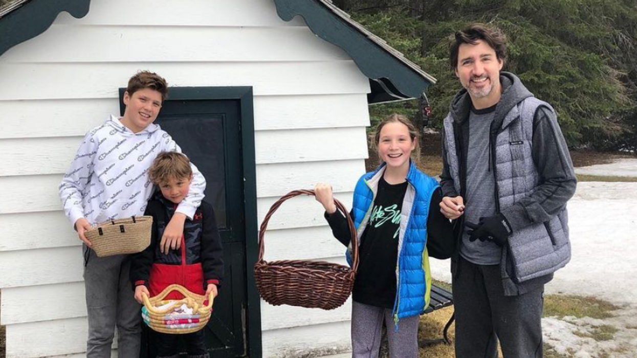 Justin Trudeau & His Family Celebrated Easter At Home This Year (PHOTOS)