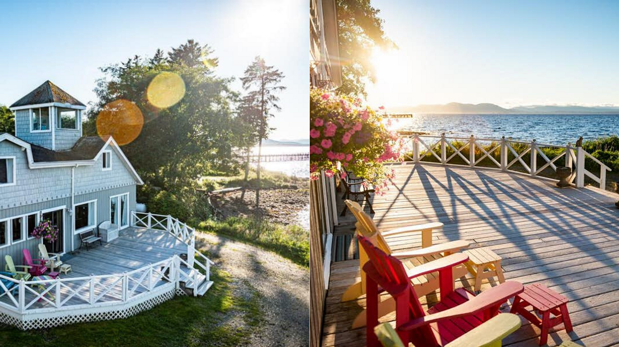 BC Home For Sale Is Right On The Ocean & Has 7 Beautiful Bedrooms
