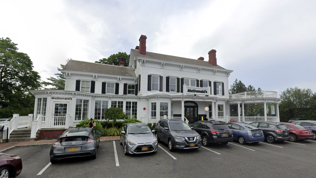 This New York McDonald's Is Actually A Historic Mansion & Here's A Look Inside (PHOTOS)