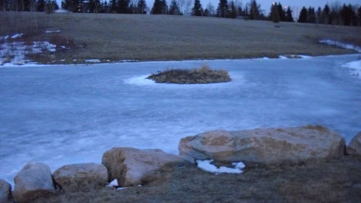 Alberta Men Tied Their Turbans Together To Save 2 Teen Girls Who Fell Through Ice