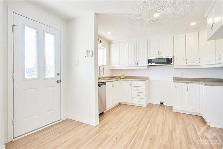 Ontario House For Sale For 299k Has No Business Being This Cute Photos Narcity
