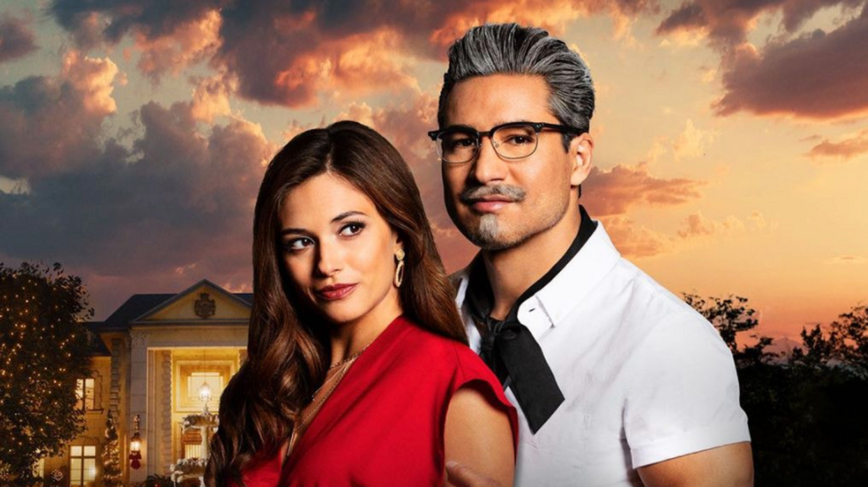 """Mario Lopez Plays Colonel Sanders In A New """"Movie"""" As 2020 Continues To Mess With Us"""