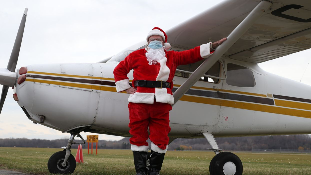 Fly With Santa In Ottawa On A Private Flight For Some Pure Holiday Magic