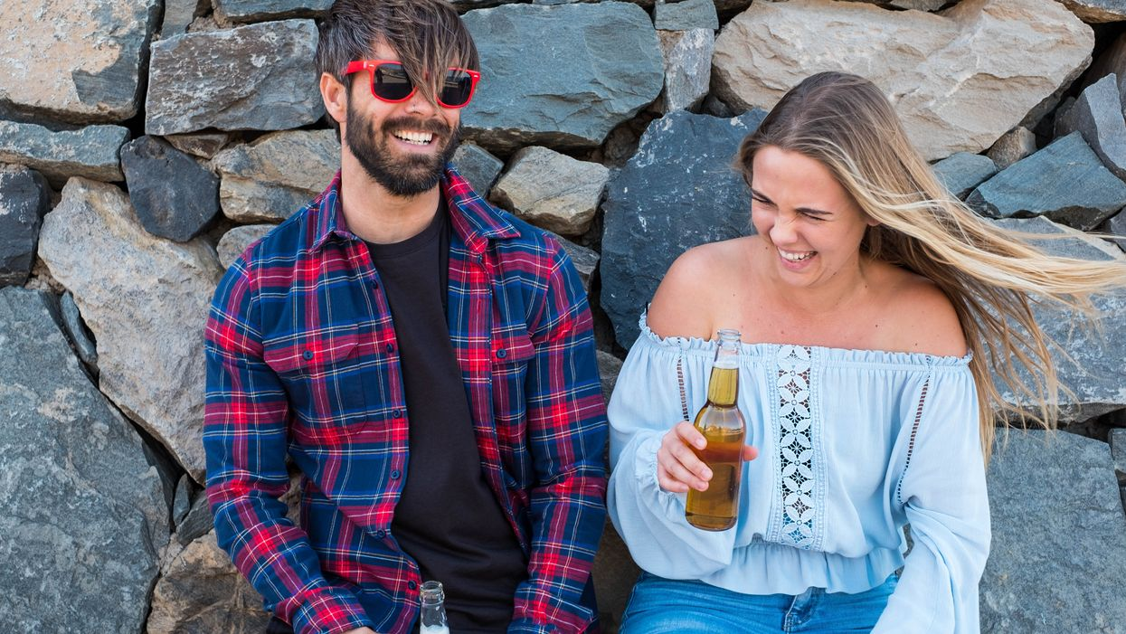 Toronto Casting Call Is Paying Couples $3000 To Drink Beer