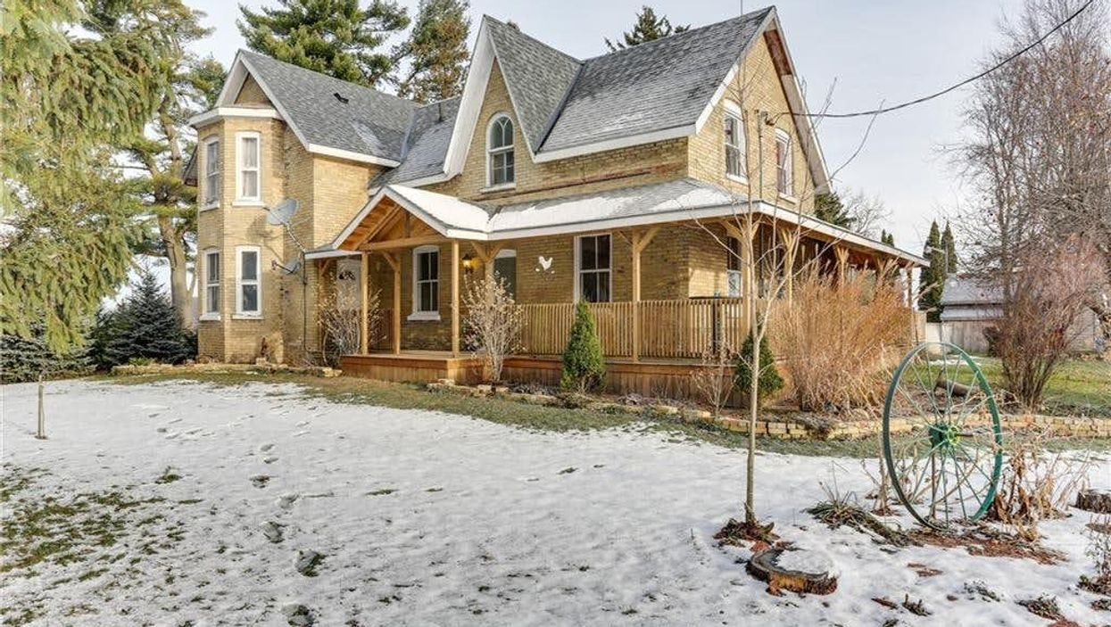 Ontario House For Sale  Is Under $700K & Just Over 2 Hours From Toronto