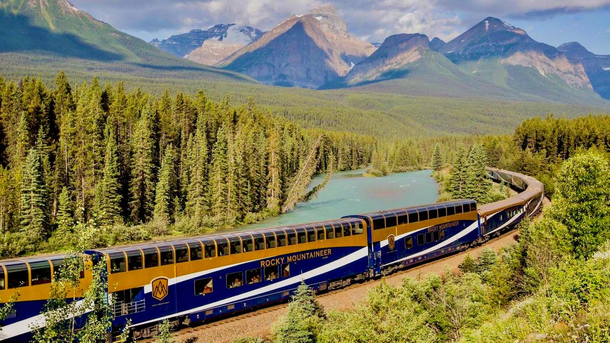Rocky Mountaineer Train Journey Rockies To The Red Rocks