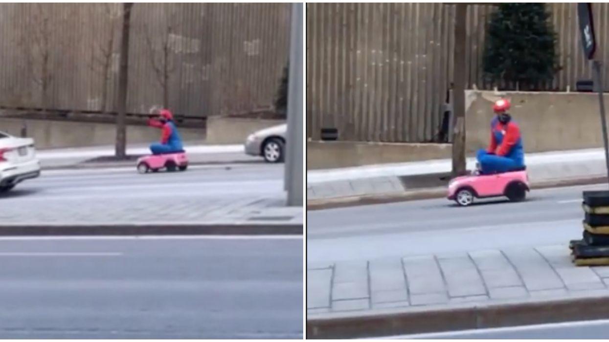 Mario Kart Montréal : Quelqu'un s'est déguisé et s'est promené dans les rues