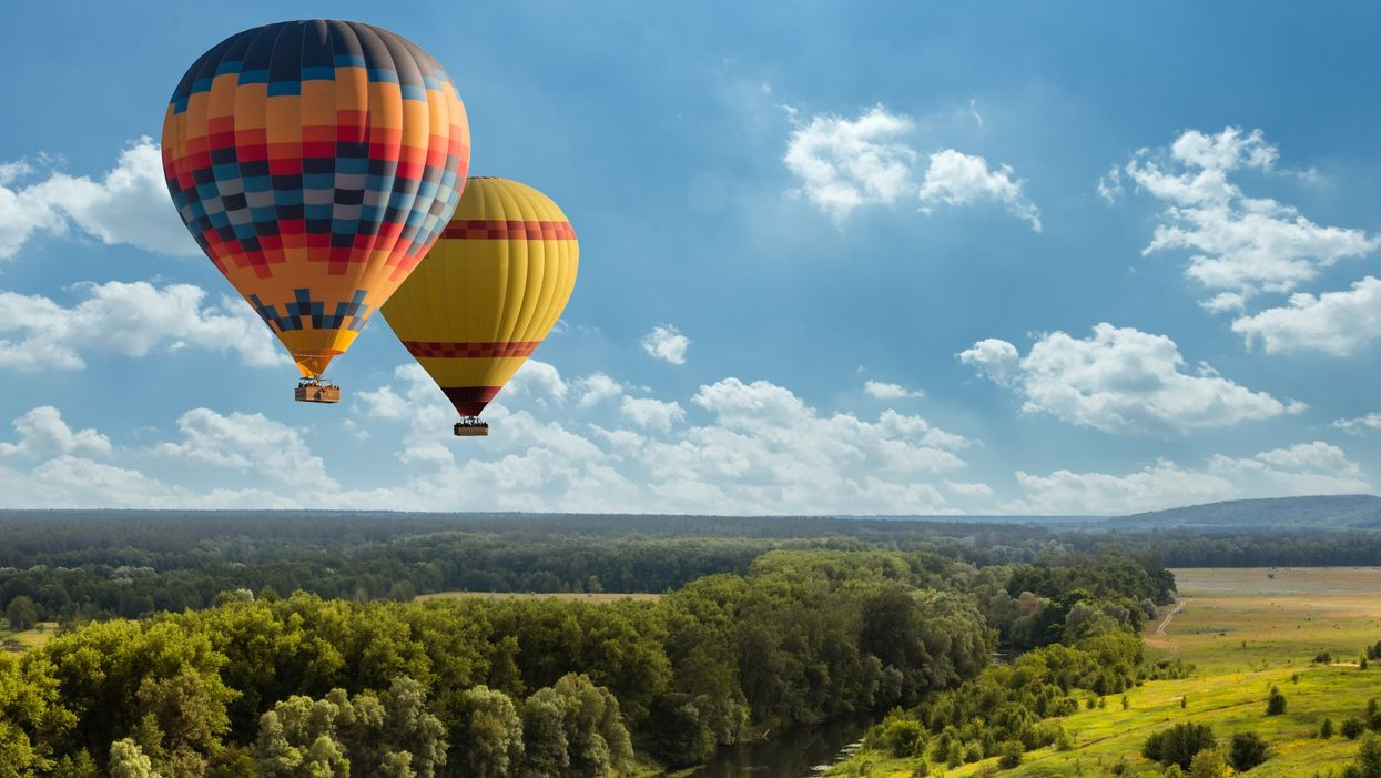 You Can Get Paid To Chase Hot Air Balloons Around Ontario This Summer