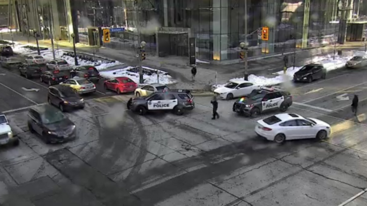 Toronto Police Warn Of Group Throwing Bottles From Condo In Downtown
