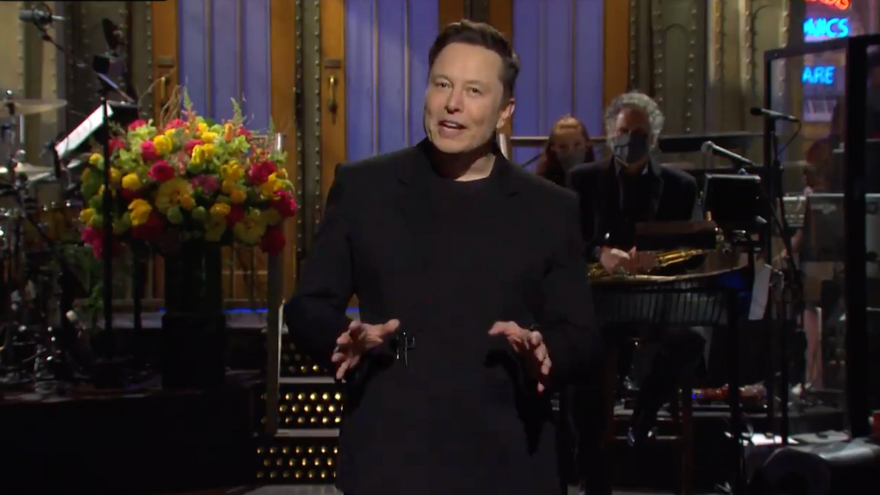 Elon Musk 'SNL' Monologue Includes Message To 'Anyone I've Offended' (VIDEO)
