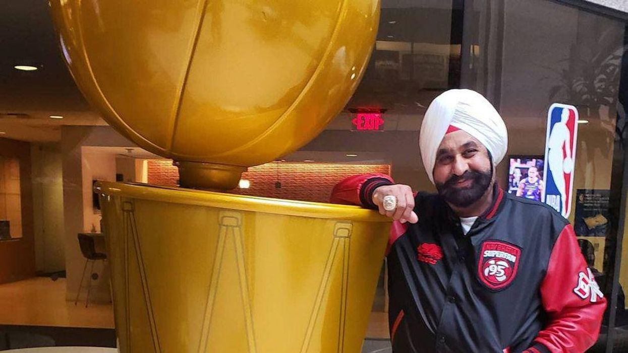 Superfan Nav Was Honoured At The Basketball Hall Of Fame & His Reaction Was So Emotional