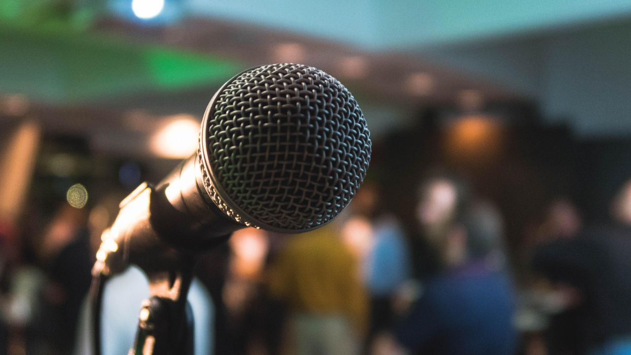 Karaoké au Québec : Des proprios de bars réclament sont retour