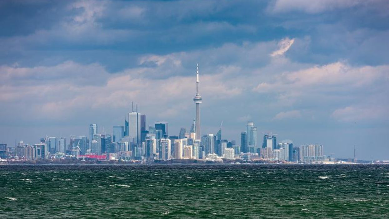 Heat Warning Issued As Toronto Temps Set To Feel Like 40 C
