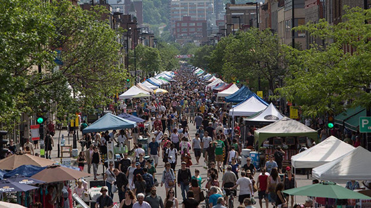 La plus grosse vente trottoir de l'été sur l'avenue Mont-Royal commence aujourd'hui!
