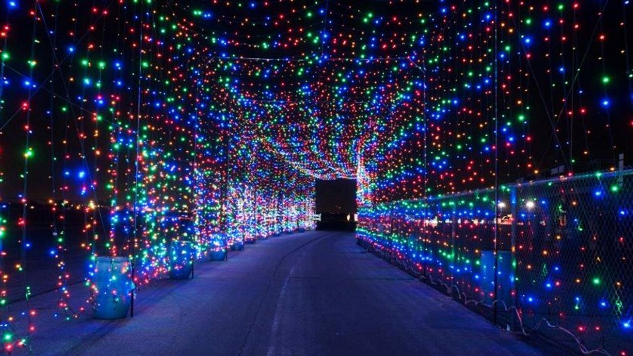 This Massive Holiday Lights Tunnel Is Only 2 Hours Away From Toronto