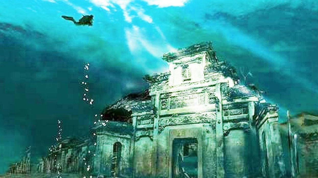 You Can Explore This Secret Underwater City In Canada