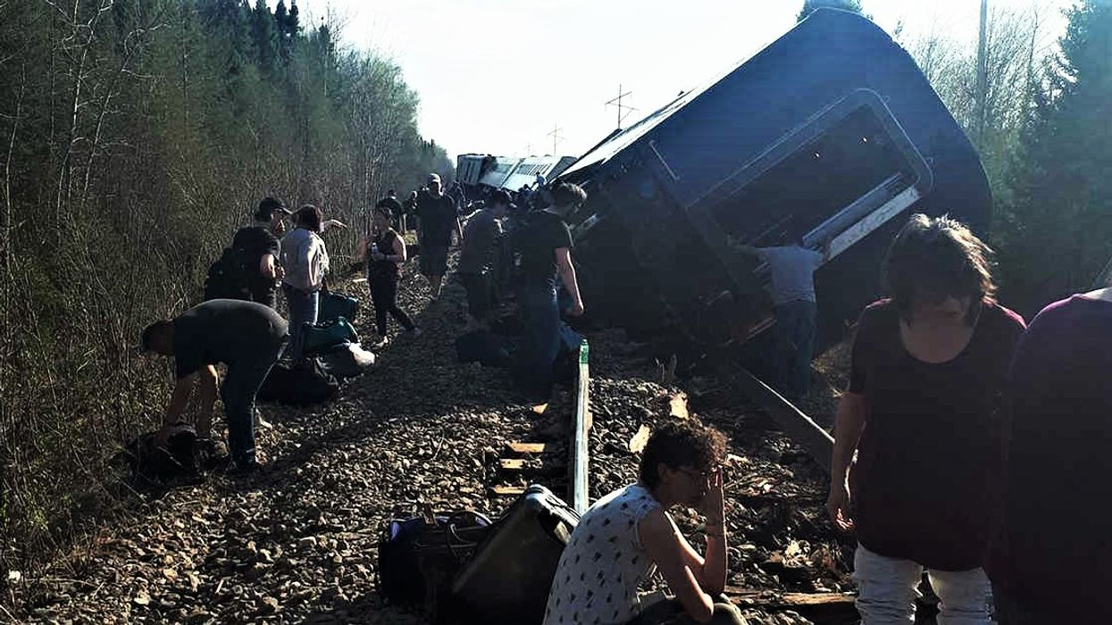 A Train Derailed In Ontario Injuring Several Passengers And The Videos Are Absolutely Terrifying (VIDEO)