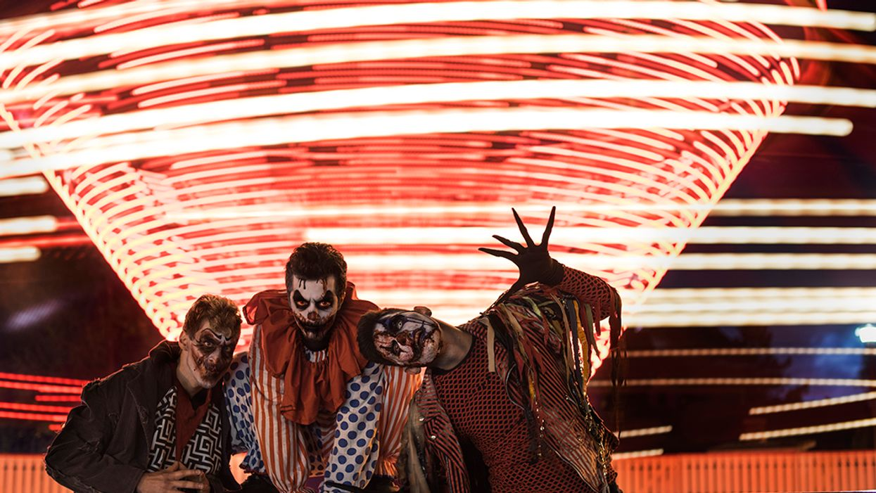 Canada's Wonderland Is Hosting A Massive Hiring Fair For Zombies, Monsters And Vampires For Halloween Haunt